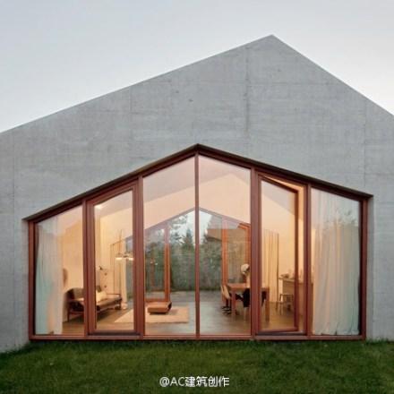 > 折屋顶别墅