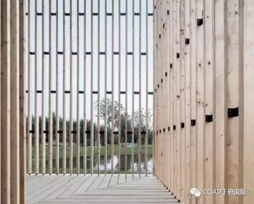 态的合理布置:木格栅条