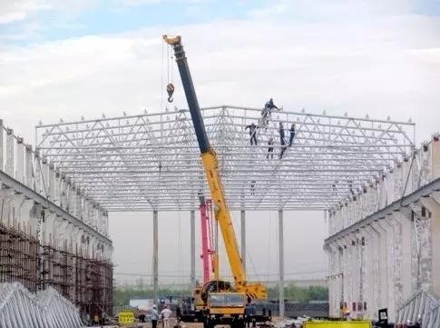 首页 专栏 装配式钢结构,木结构 > 钢结构吊装施工方案  近年来钢结构