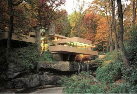 三,世界最著名的建筑美国的流水别墅
