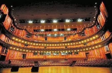 【钢结构·建筑】国家大剧院6750吨钢架结构中却没有柱子支撑,怎么