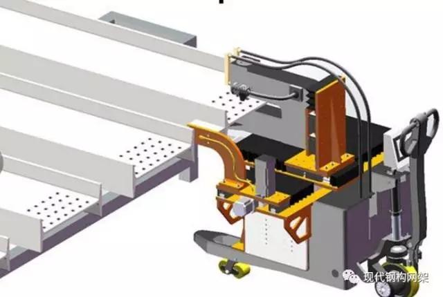 一、放样和号料 1.放样、号料工作内容 放样是钢结构制作工艺中的第一道工序,只有放样尺寸准确,才能避免以后各加工工序的积累误差,保证整个构件的质量。 放样的内容包括:核对图样的安装尺寸和孔距;以11的大样放出节点;核对各部分的尺寸;制作样板和样杆作为下料尺寸、弯制、制孔等加工的依据。  放样时,以11的比例在放样台上利用几何作图法弹出大样;放样经检查无误后,用钢板制作样板、样杆;在样板、样杆上注明工号、图号、零件号、数量、孔径等;然后用样板、样杆进行号料。 号料时,应检查并核对材料,在材料上画出切割、钻