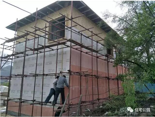 轻钢别墅到底有好,让这个村的老百姓都抢着建?别墅全屋定制家具图片