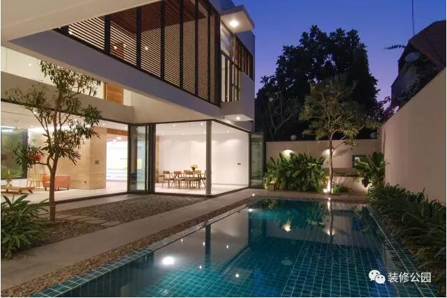 乡村别墅就该这样,车库,庭院,游泳池,旋转楼梯,天窗全