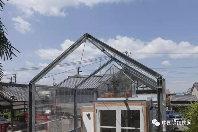 首页 专栏 装配式钢结构,木结构 > 头一次见钢结构的玻璃房,太漂亮了