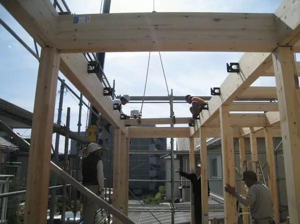 """""""用木头,造一所木屋""""(下) - 预制建筑网:装配式建筑"""