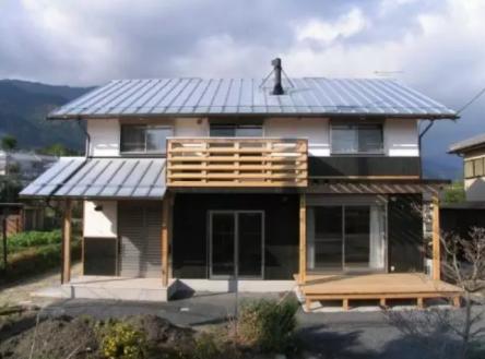下面实拍日本木结构住宅建设全过程.
