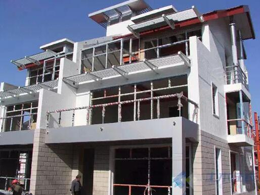 钢结构住宅来看,主要有: 1)薄壁型钢组合墙板形式; 2)纯框架形式; 3)