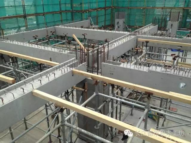 结构主体竖向构件框架柱采用预制混凝土框架柱