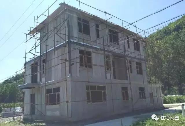 当保温墙板遇上钢结构 - 预制建筑网:装配式建筑行业