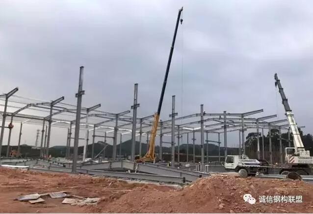 钢结构现场施工(上) - 预制建筑网:装配式建筑行业平台