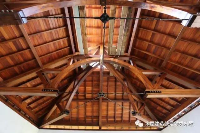 木屋木结构节点主要连接连接:传统榫卯,现代金属连接件,现代与传统