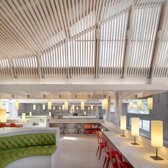 木结构创意图书馆