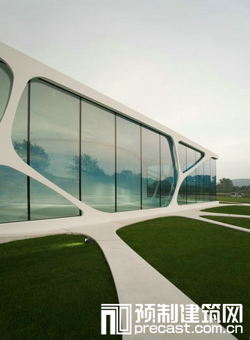 德国莱昂纳多玻璃立方体展览馆