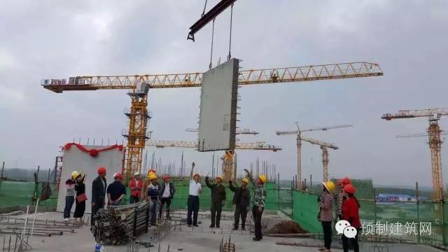 做一般框架结构式的需要21万左右,在厂房内部做装配式的需要16.5万.
