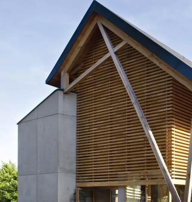 木结构下自然光的巧妙运用 - 预制建筑网:装配式建筑